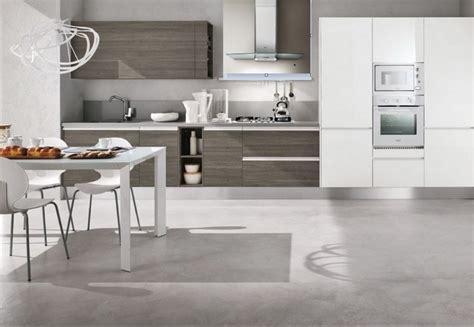 dispense cucina moderna cucina moderna con dispense e lavello integrato inox