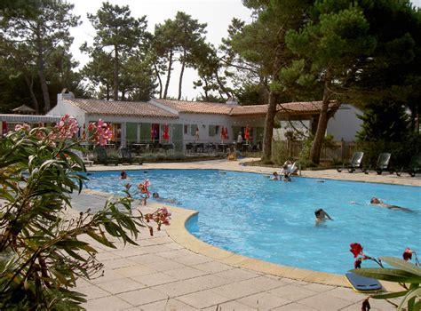 Camping Le Village de Suroit Ile de Ré : Location vacances à la mer pas cher Camping Le