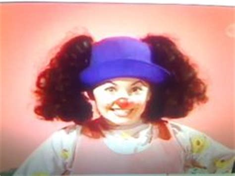 lunette big comfy couch old loonette big comfy couch wiki fandom powered by wikia