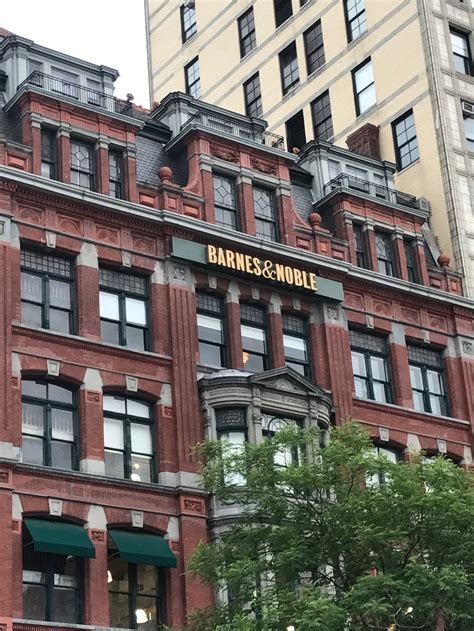 squares nyc and barnes and how to meet celebrities in nyc barnes noble events