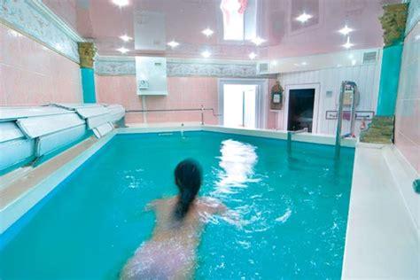 schwimmbad im keller schwimmspass im pentagon schwimmbad schwimmbad zu hause de