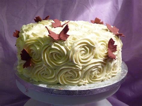 Buttercream Decorated Cakes by Buttercream Roses Birthday Cake Cake Decorating