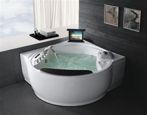 schwarz weiß badezimmerfliesen ideen badewannen dekor eingebaut