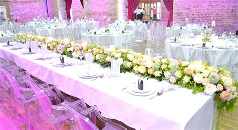 wedding table flower decorations uk vinopolis wedding cake and flowers ch 233 rie