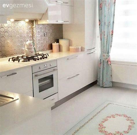 pin beyaz modern mutfak tezgah tasarimi on pinterest beyaz mutfak fon perde halı mutfak stuff to buy