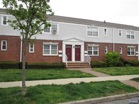 Garden Apartments In Rutherford Nj Coop For Rent At 60 A Hastings Ave Rutherford Nj