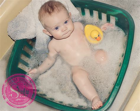 laundry basket in bathtub baby bath tub laundry basket brilliant ways to use a