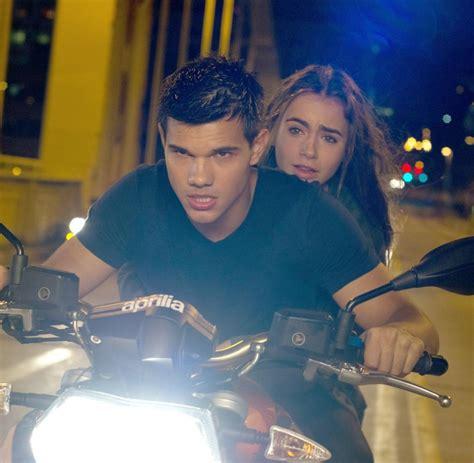 Motorrad Aus Dem Film Atemlos by Actionfilm Quot Twilight Quot Star Spielt Actionhelden In