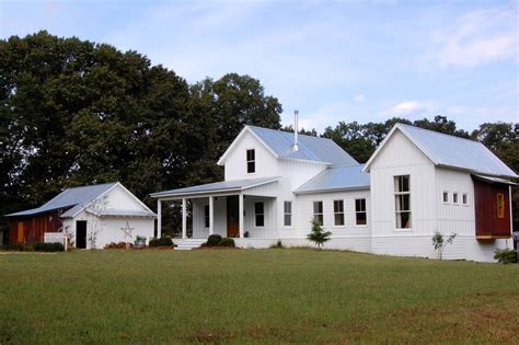 farmhouse designs modern farmhouse exterior farmhouse with gravel driveway