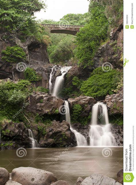 imagenes sagradas varias siete piscinas sagradas imagenes de archivo imagen 18644304
