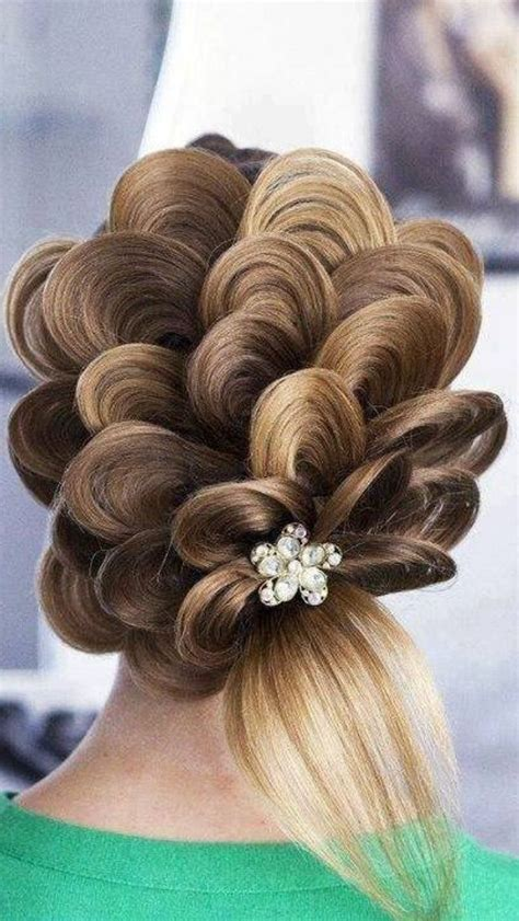 Amazing Hairstyles, artistic hair, petal hair   FanPhobia