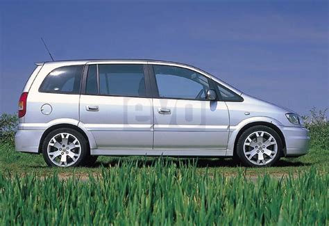 vauxhall zafira gsi the cool one dieselstation