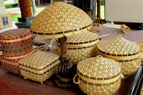 Gelang Kulit Anyaman wow ini dia kerajinan khas indonesia yang menembus pasar