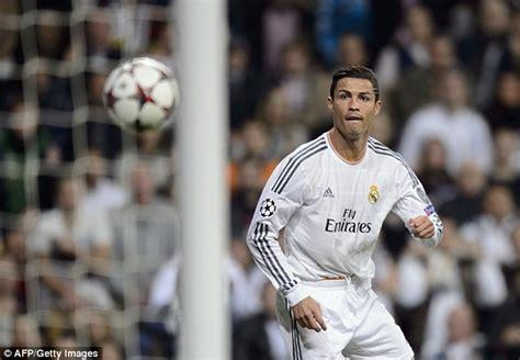 ronaldo juventus money zlatan ibrahimovic hits four goals and edinson cavani scores as st germain beat anderlecht