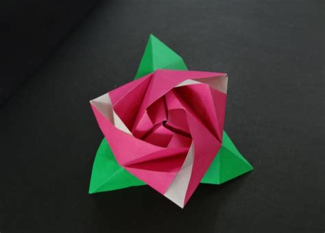 Origami Box Flower - decorate your home with these beautiful origami flowers