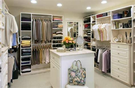 schrank mit vielen einlegeböden den kleiderschrank intelligent organisieren 50 pl 228 ne und