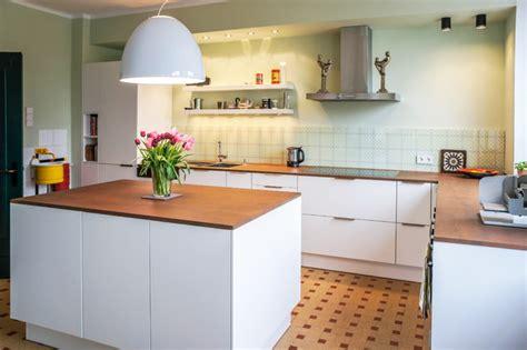 küche mit schwarzer arbeitsplatte k 252 che arbeitsplatte weiss