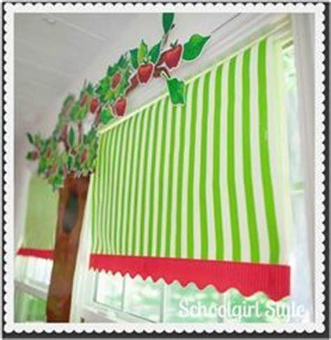 classroom curtain ideas 25 best ideas about classroom window decorations on