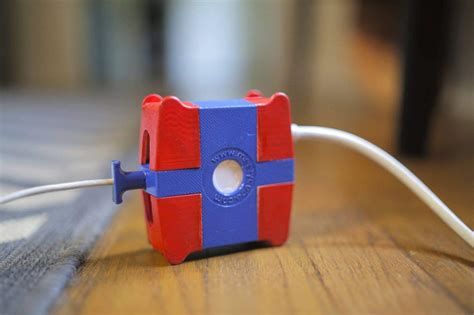 meezycube  protect  macbook cord  fraying