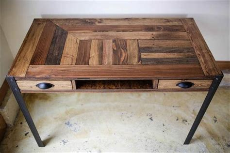 Diy Wooden Desk Diy Pallet Desk With 2 Drawers Study Desk 101 Pallets