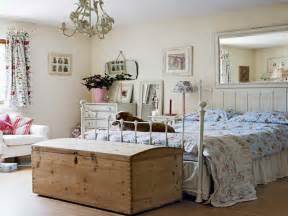 Vintage Bedroom Decorating Ideas Bedroom Ideas With Vintage Bedding Style And Minimalist
