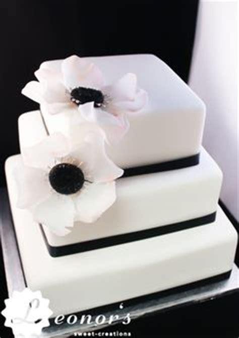 Hochzeitstorte Quadratisch Modern by Tabler Hochzeits Torte Mit Echten Orchideen Ganz Schlicht