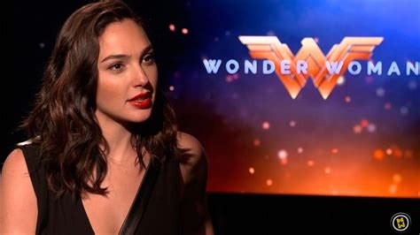 wonder actor interview entrevista gal gadot gal gadot chris pine interview