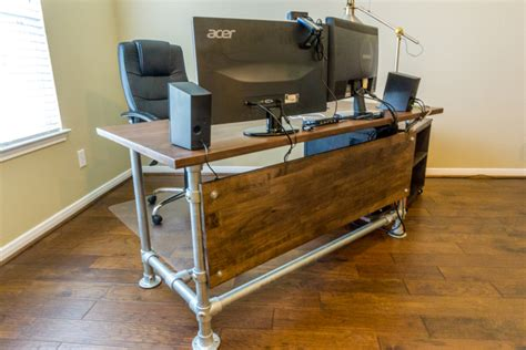 Diy Industrial Desk by Wood Paneled Industrial Pipe Desk Desk Week