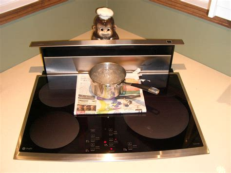 Induction Cooktop Wiki File Induction Cooktop Rolling Boil Jpg Wikimedia Commons