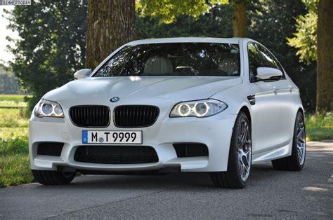 bmw car made bmw designer says apple made white most popular exterior