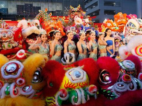 lunar new year thailand lunar new year 2015 23 dazzling pictures of the year of