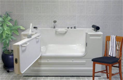 sit down bathtubs accessible bathtubs an amazing diversity homeability com