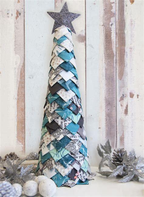 how to make fabric christmas tree fabric tree no sew tutorial gallery fabrics the creative