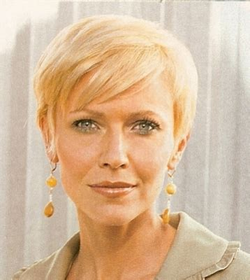 blonde hair on seniors short blond hair style for older woman styles for the