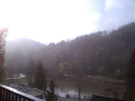 snow flurries weather morning snow flurries