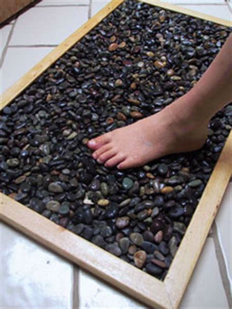 How To Make Your Own Earthing Mat by Savvy Housekeeping 187 Make A Bath Mat