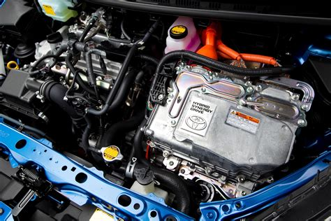 toyota car engine toyota prius luxury engine bay toyota free engine image