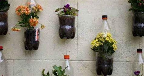 membuat pot bunga gantung  botol plastik bekas