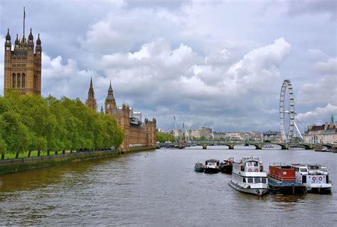 thames river in london england river thames landmarks in london england encircle photos