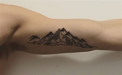 mountain tattoos 35 geometric mountains tattoos