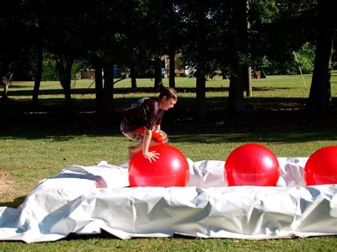 backyard wipeout obstacle course birthday parties