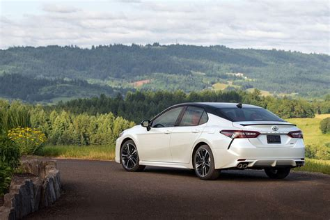 toyota motor 2018 honda accord and 2018 toyota camry a specs