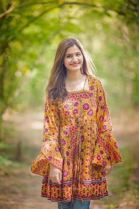 Simple Party Dresses Pakistani 2019