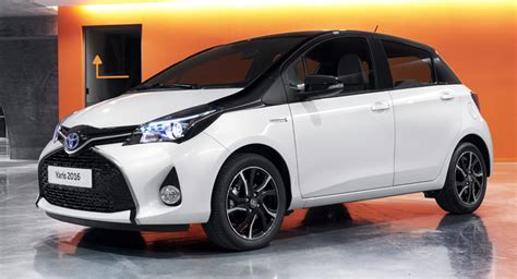 Home Design Exterior Color Schemes by Toyota Yaris Gets Bi Tone And Style Grades For 2016my In