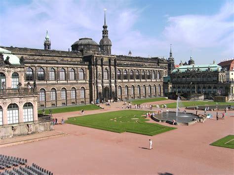 cinderella film dresdner zwinger file dresden zwinger courtyard 13 jpg wikimedia commons