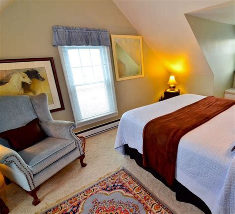chincoteague bed and breakfast misty mare island manor house bed and breakfast