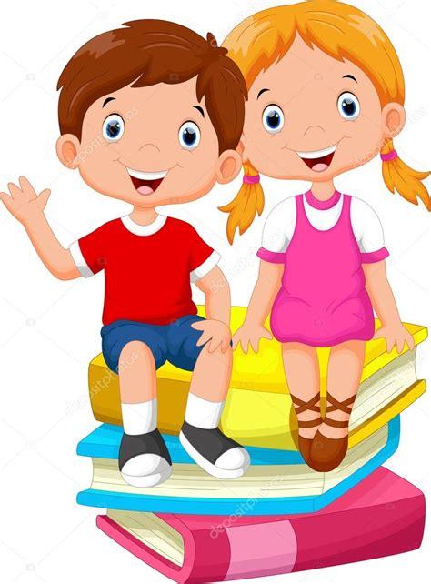 imagenes niños sentados ni 241 os sentados sobre una pila de libros vector de stock