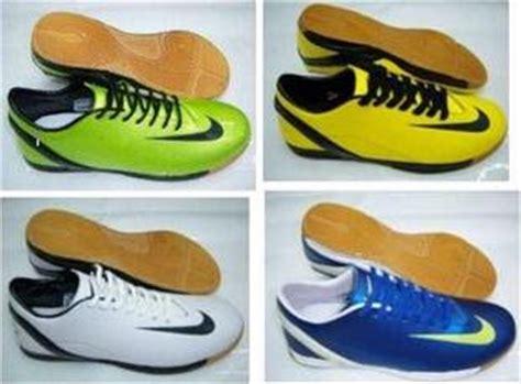 Sepatu Nike Slop Motif Batik model terbaru busana i pakaian i kaos switcher i celana i