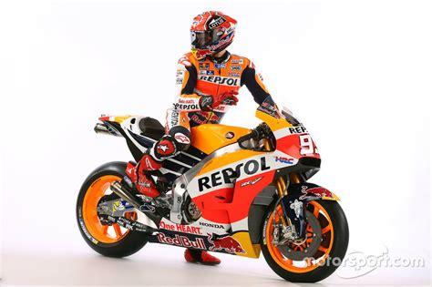 Jersey Motor Balap Repsol Honda 2016 marc marquez repsol honda team at 2016 repsol honda team unveil motogp photos