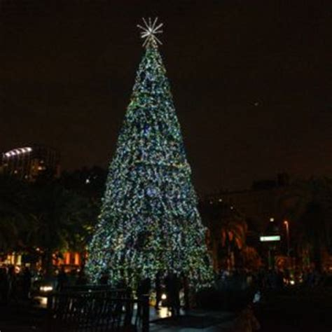lake eola christmas tree video orlando annual events 4 orlando